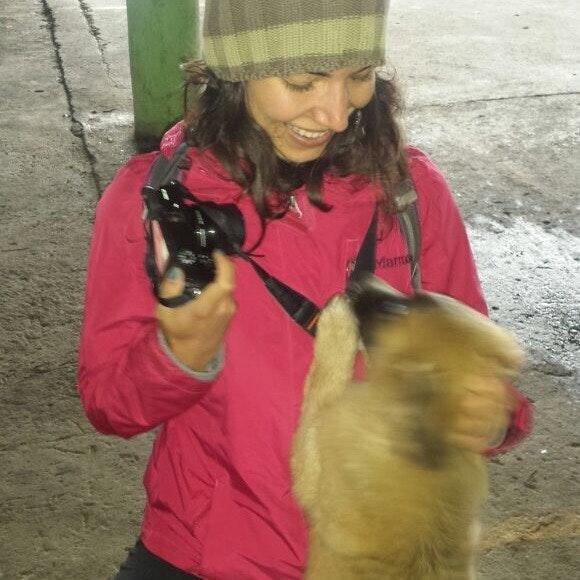dog walker Gabriella