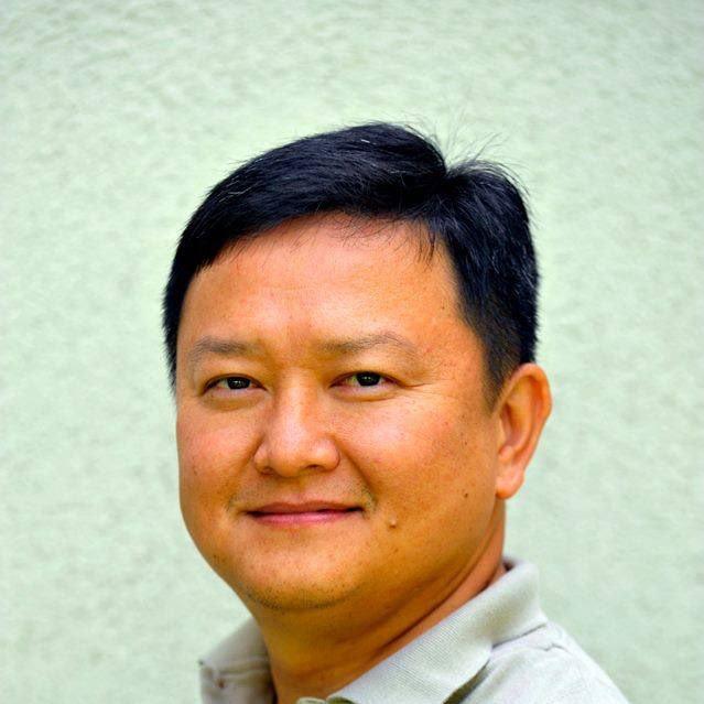 Phong  L.