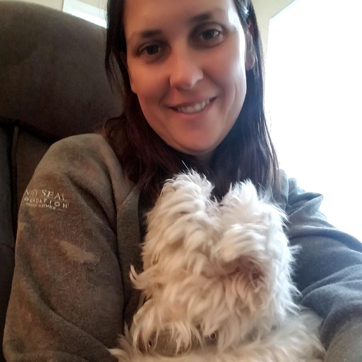dog walker Rosela Abril