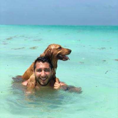 dog walker Juan Pablo