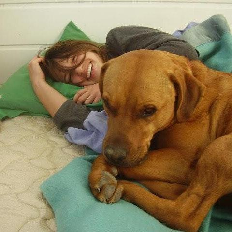 dog walker Elyna