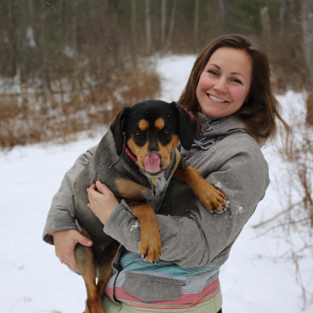 dog walker Ada