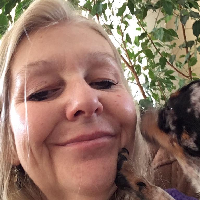pet sitter Lynnmarie