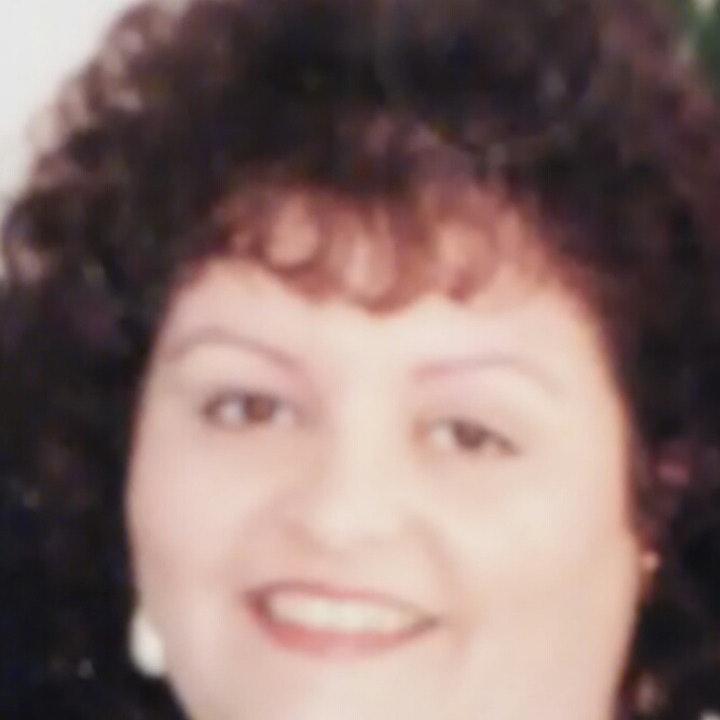 Cindylee C.
