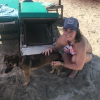 dog walker Alixandra