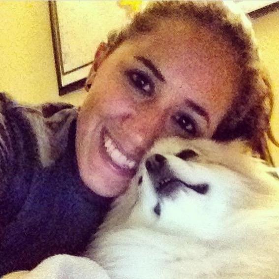 dog walker Anna Luiza