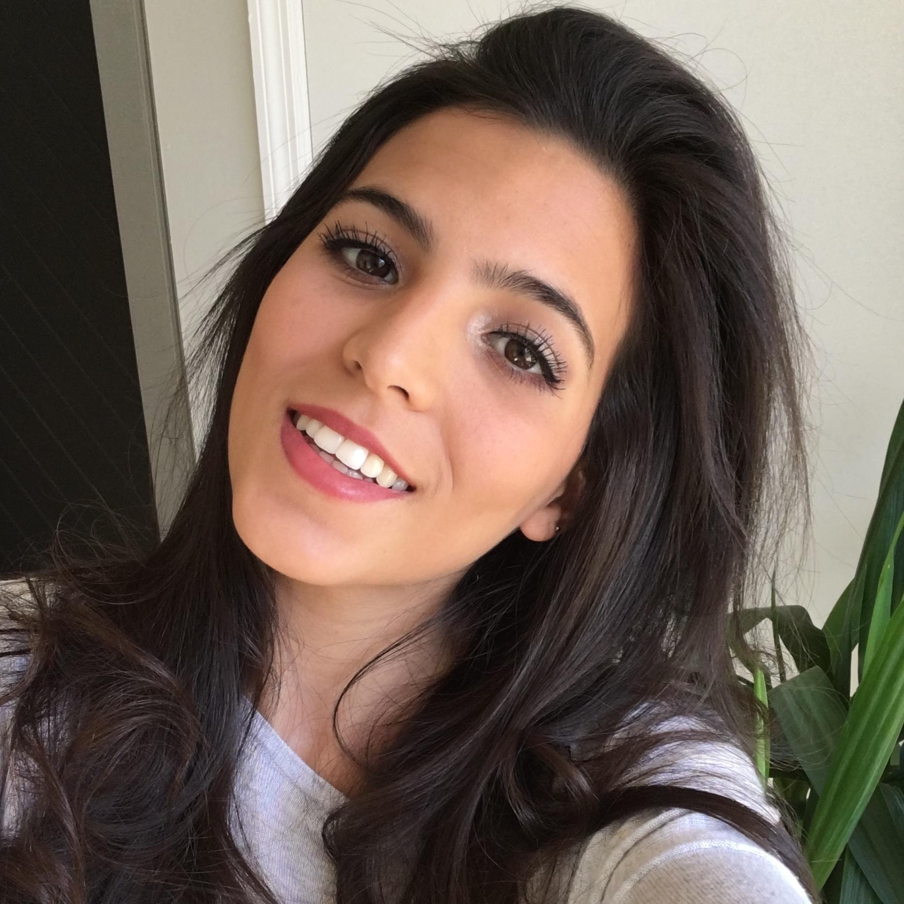 Luciana B.
