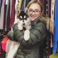 dog walker Bella