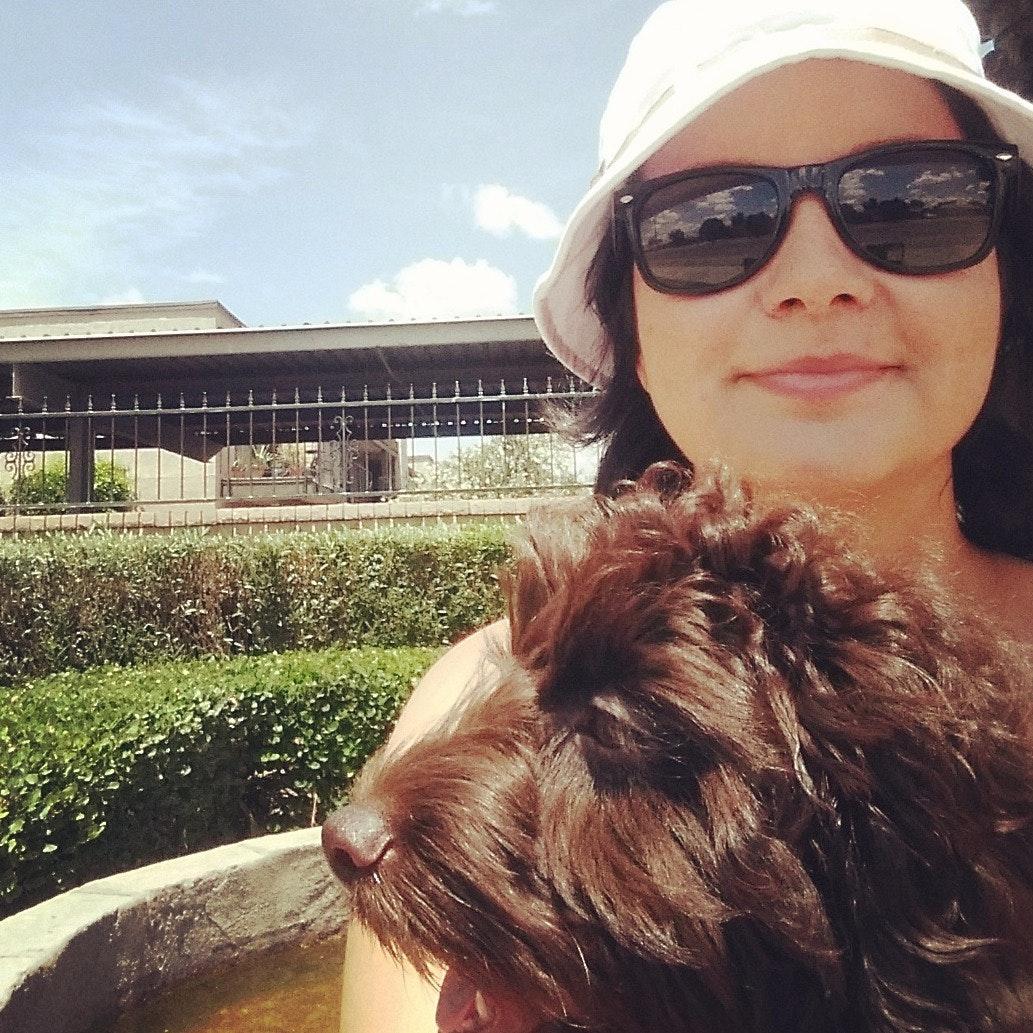 dog walker Elisa