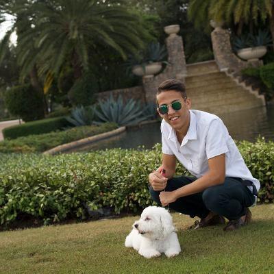 dog walker Lucas