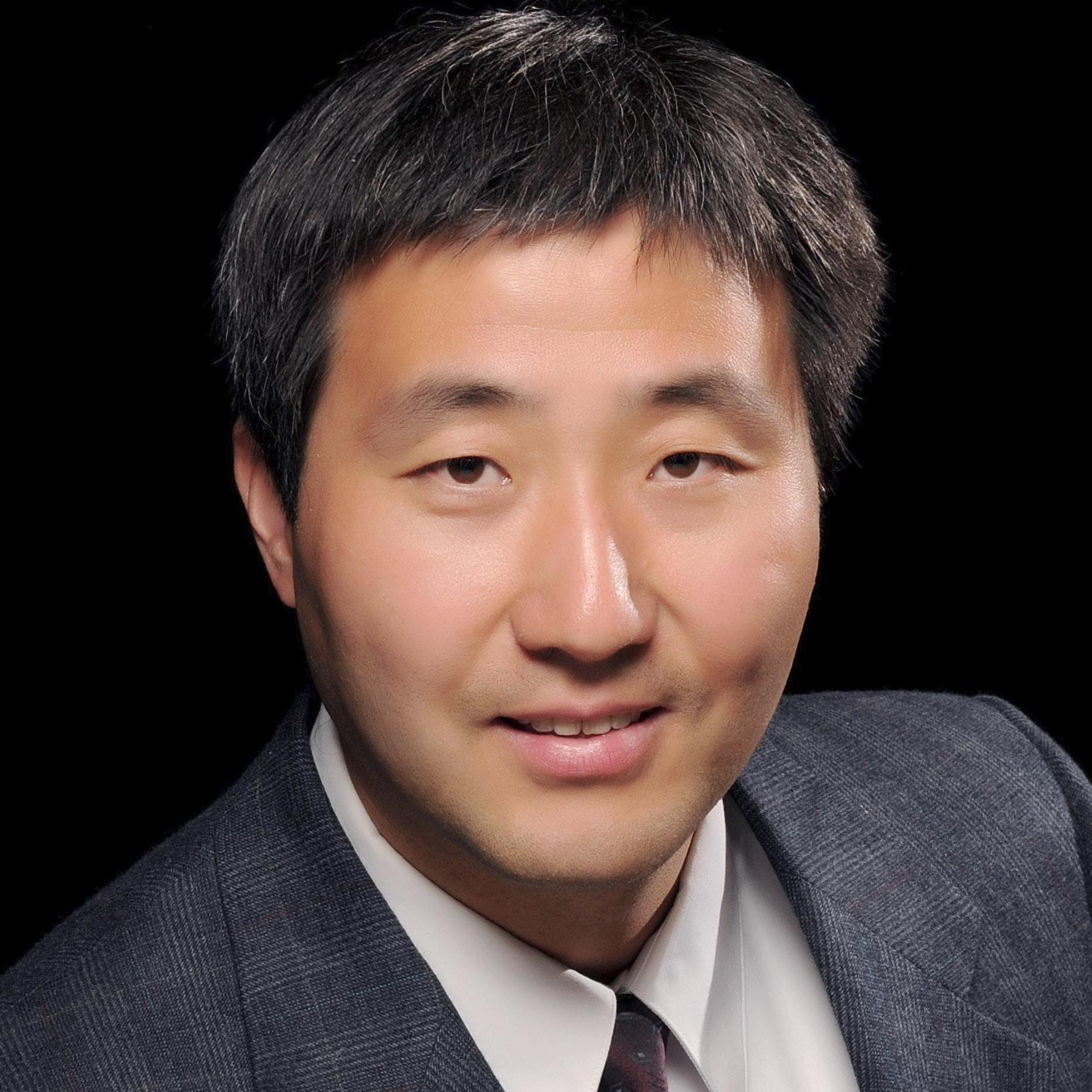 Liang D.