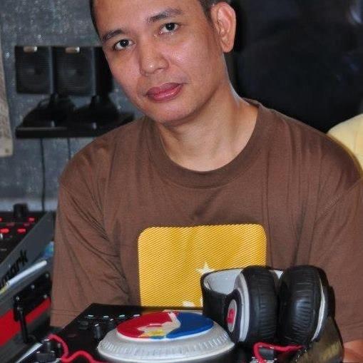Jun Q.