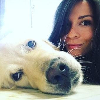 dog walker Jenya