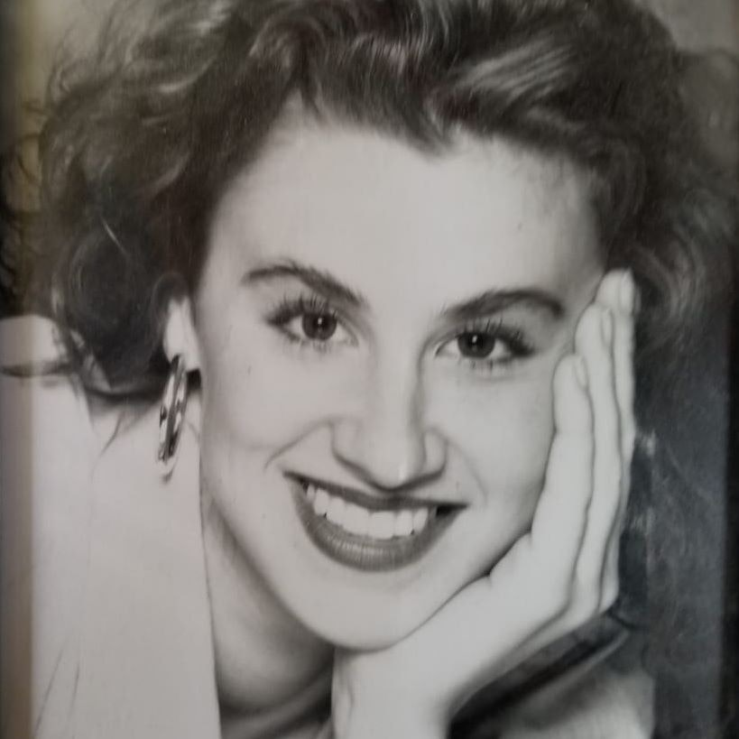 Elise R.
