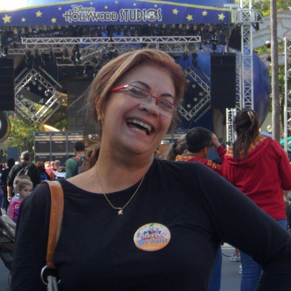 Maria Regina R.