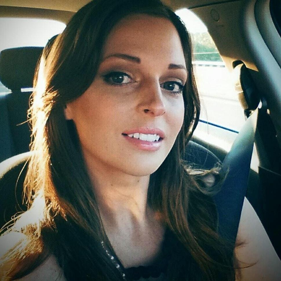 Lisa V.