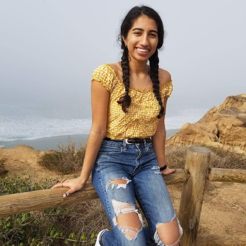 pet sitter Sharanya