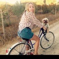 dog walker Flossie