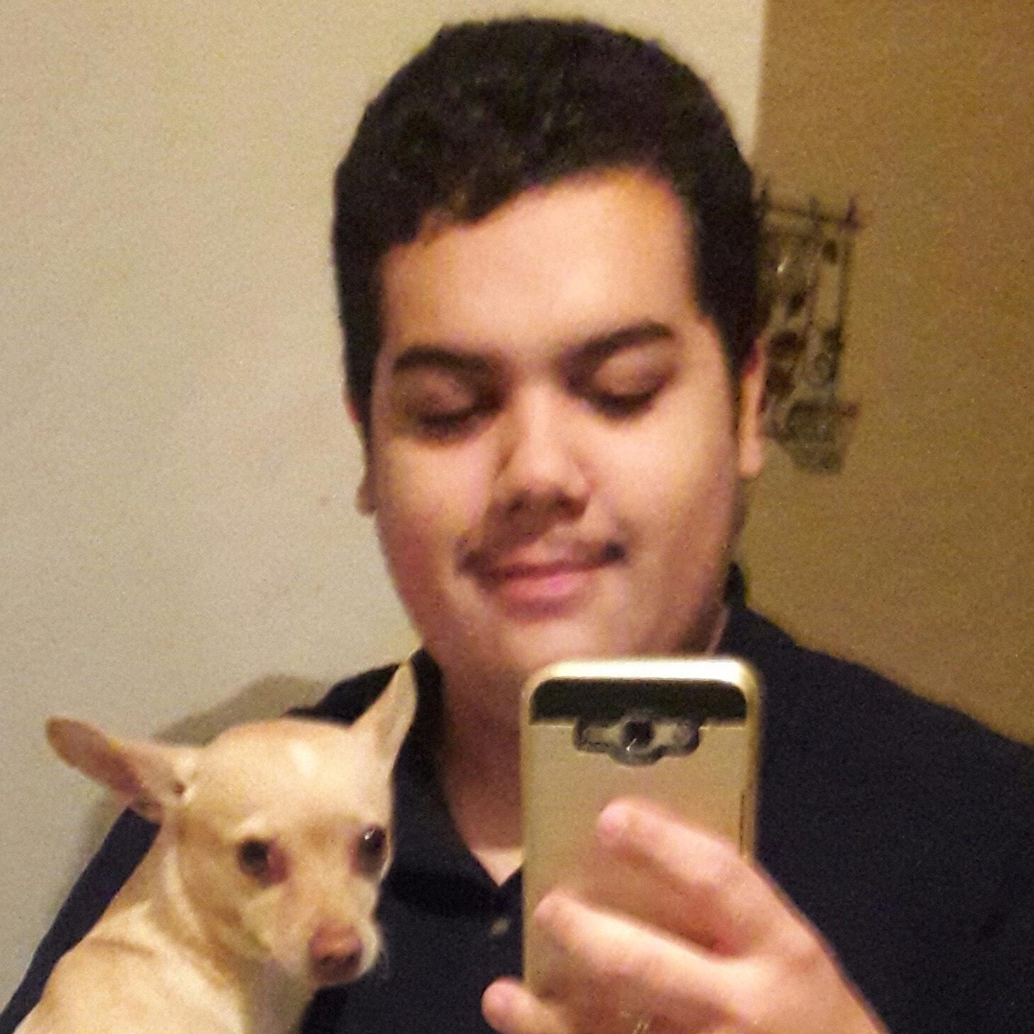 dog walker Leopoldo