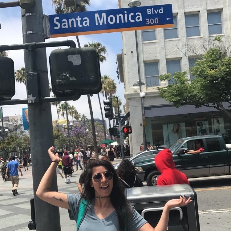 pet sitter Monica