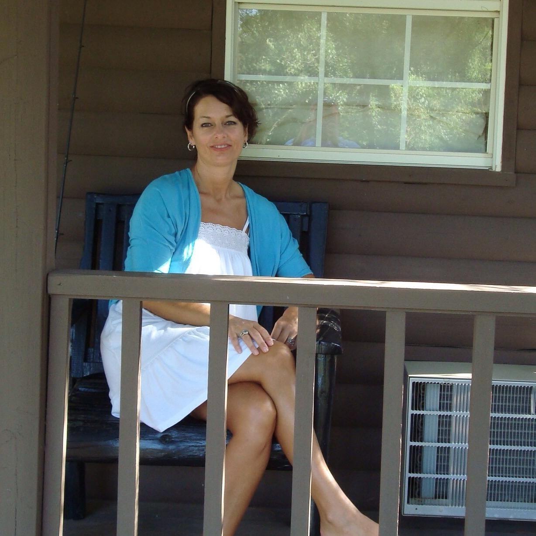 house sitter Lora