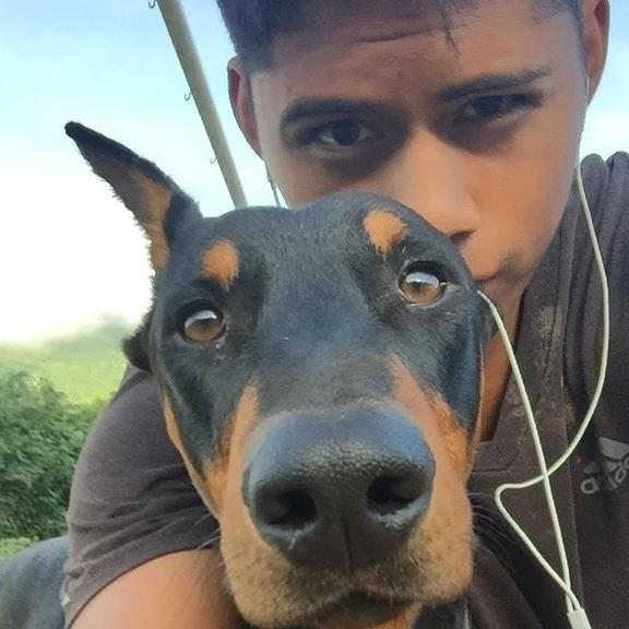 dog walker Eduardo
