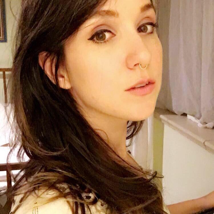 Kat M.