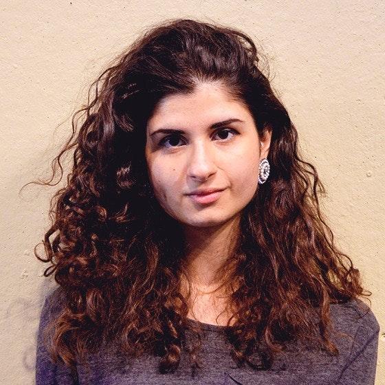 pet sitter Raghda