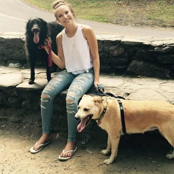 dog walker Abigale