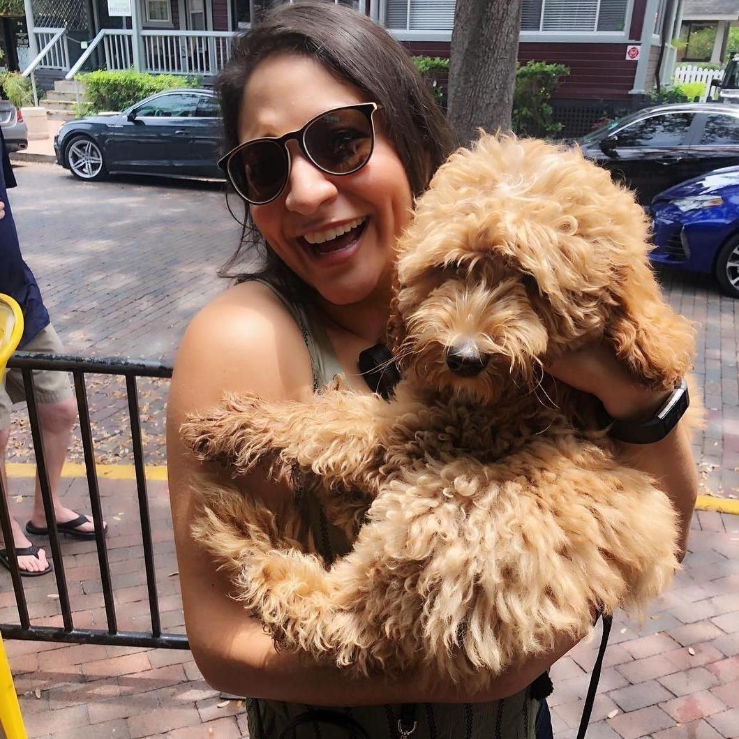 dog walker Viviana