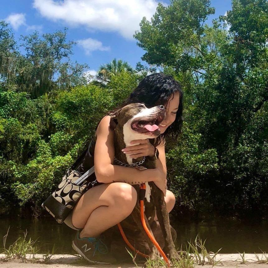 dog walker Dyondra