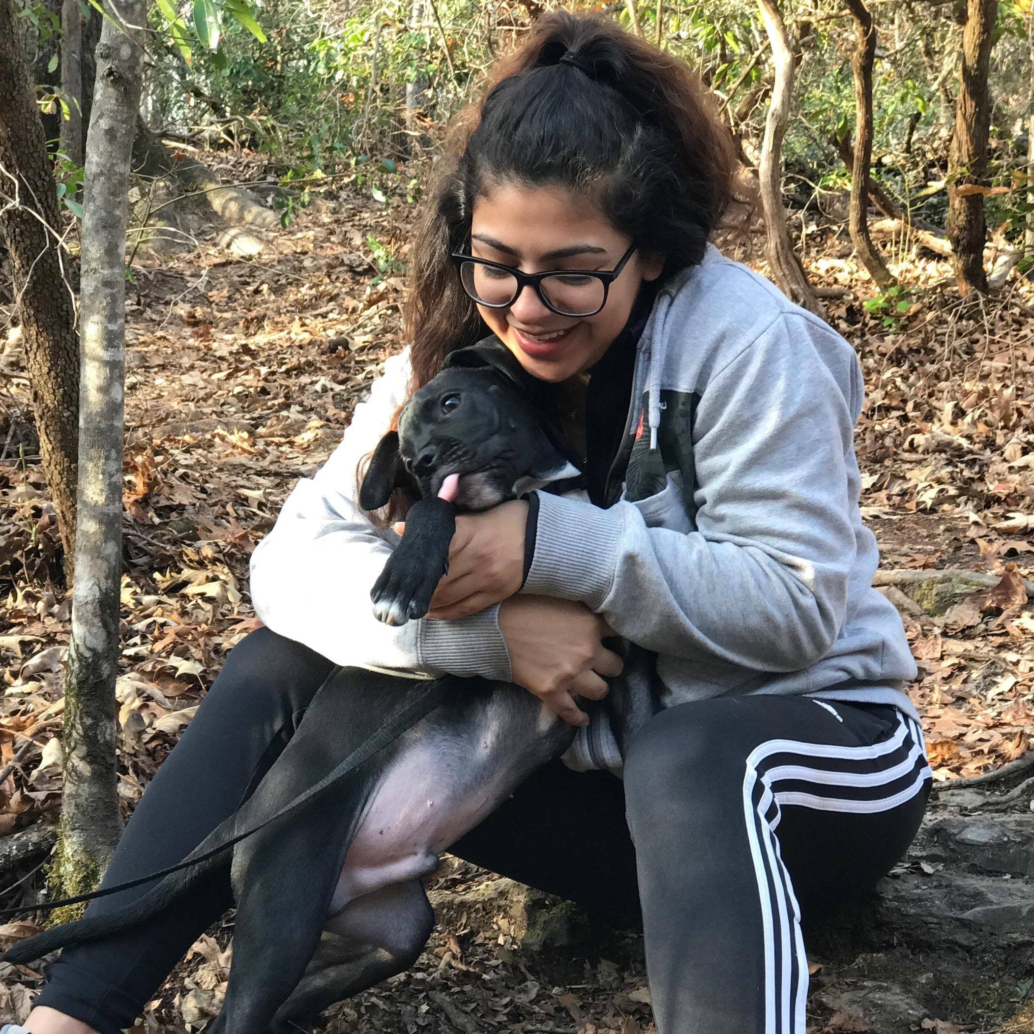 dog walker Yaritza