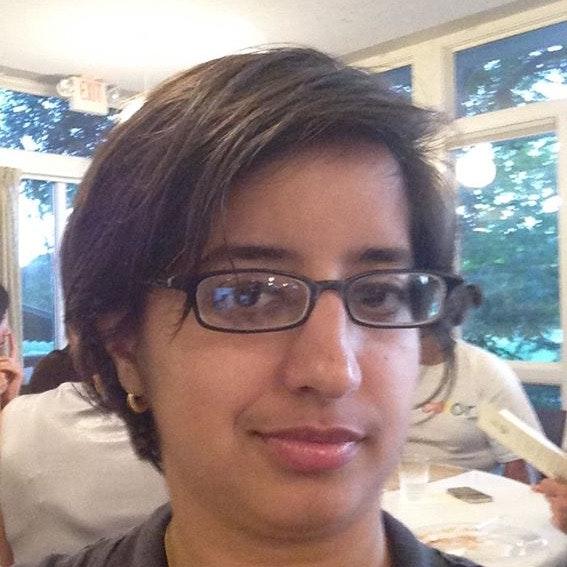 pet sitter Shivani