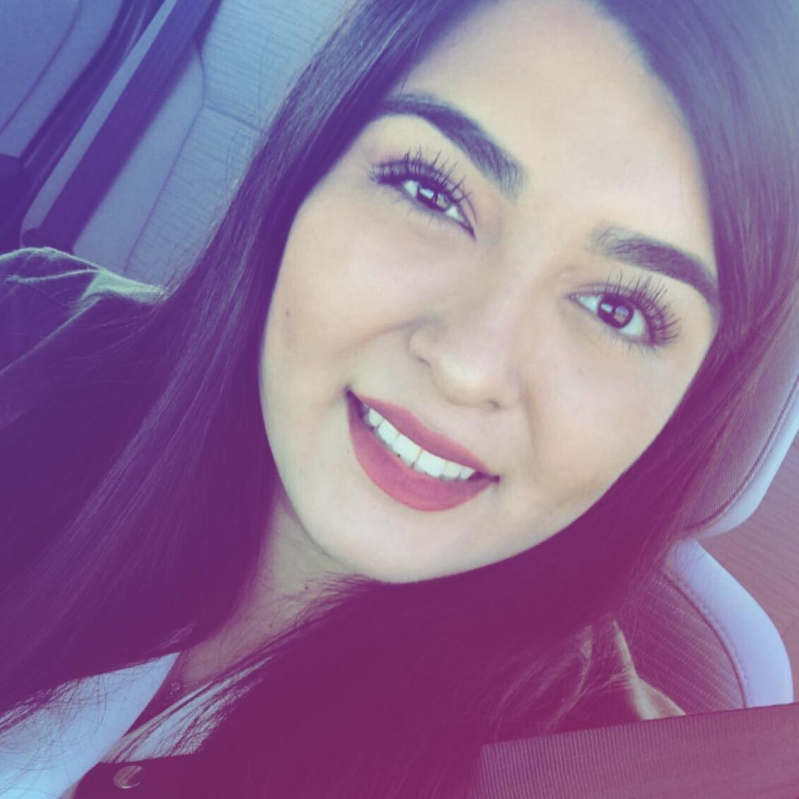 Vania M.