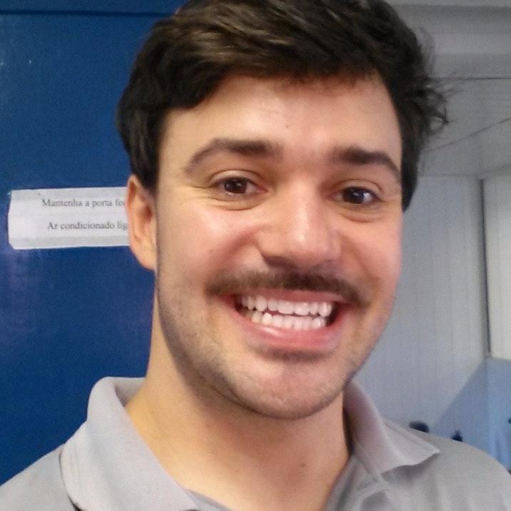 pet sitter Rodrigo Bernard