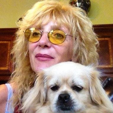 dog walker Mary Jane
