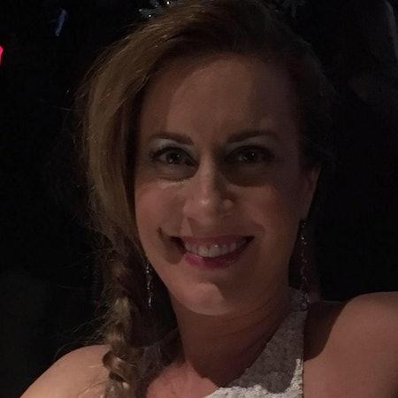 Lara T.