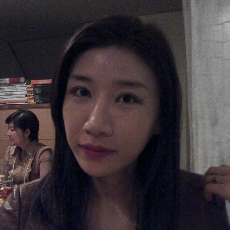 Yoonji L.