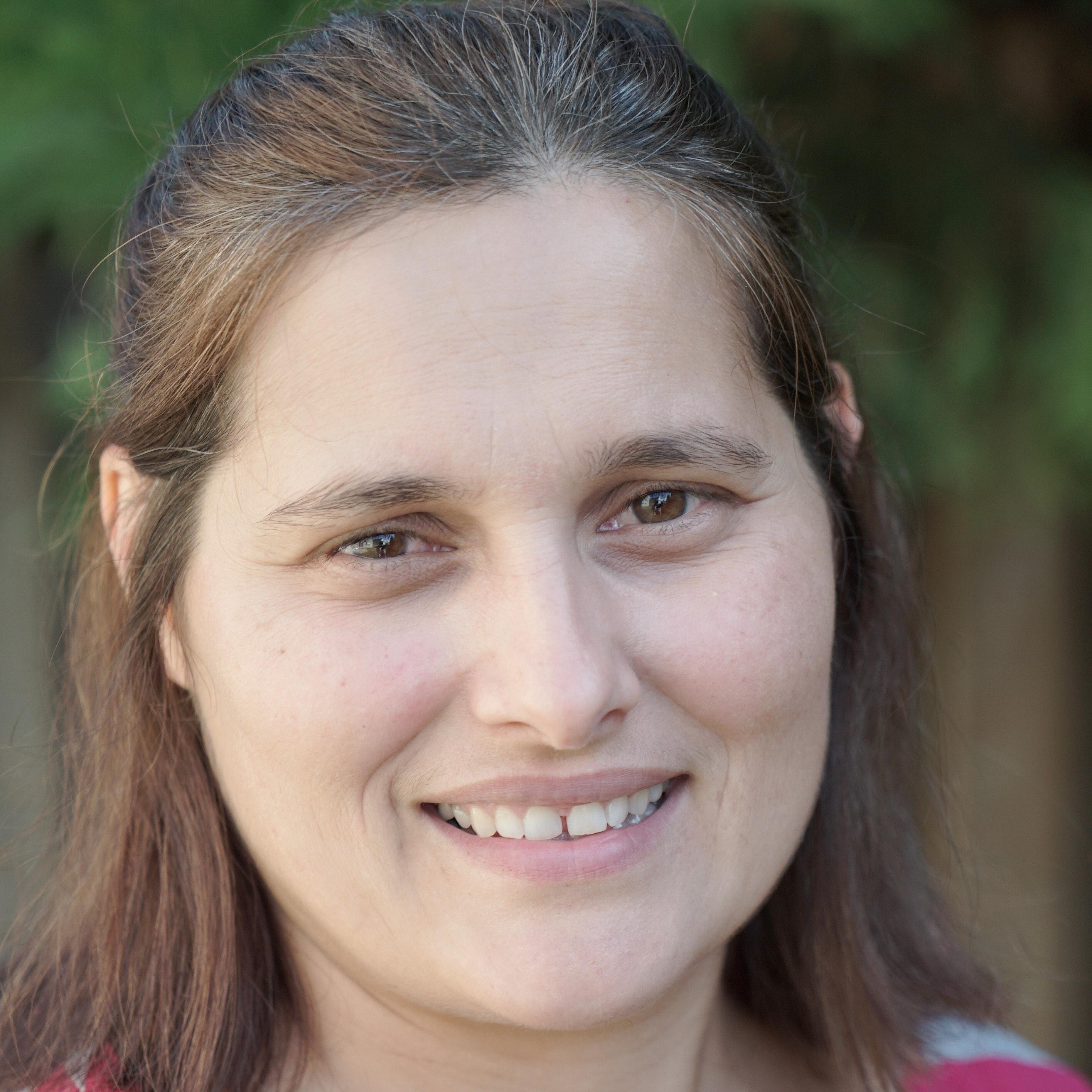Elena Cristina L.