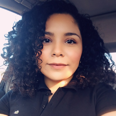 pet sitter Mayra Alejandra