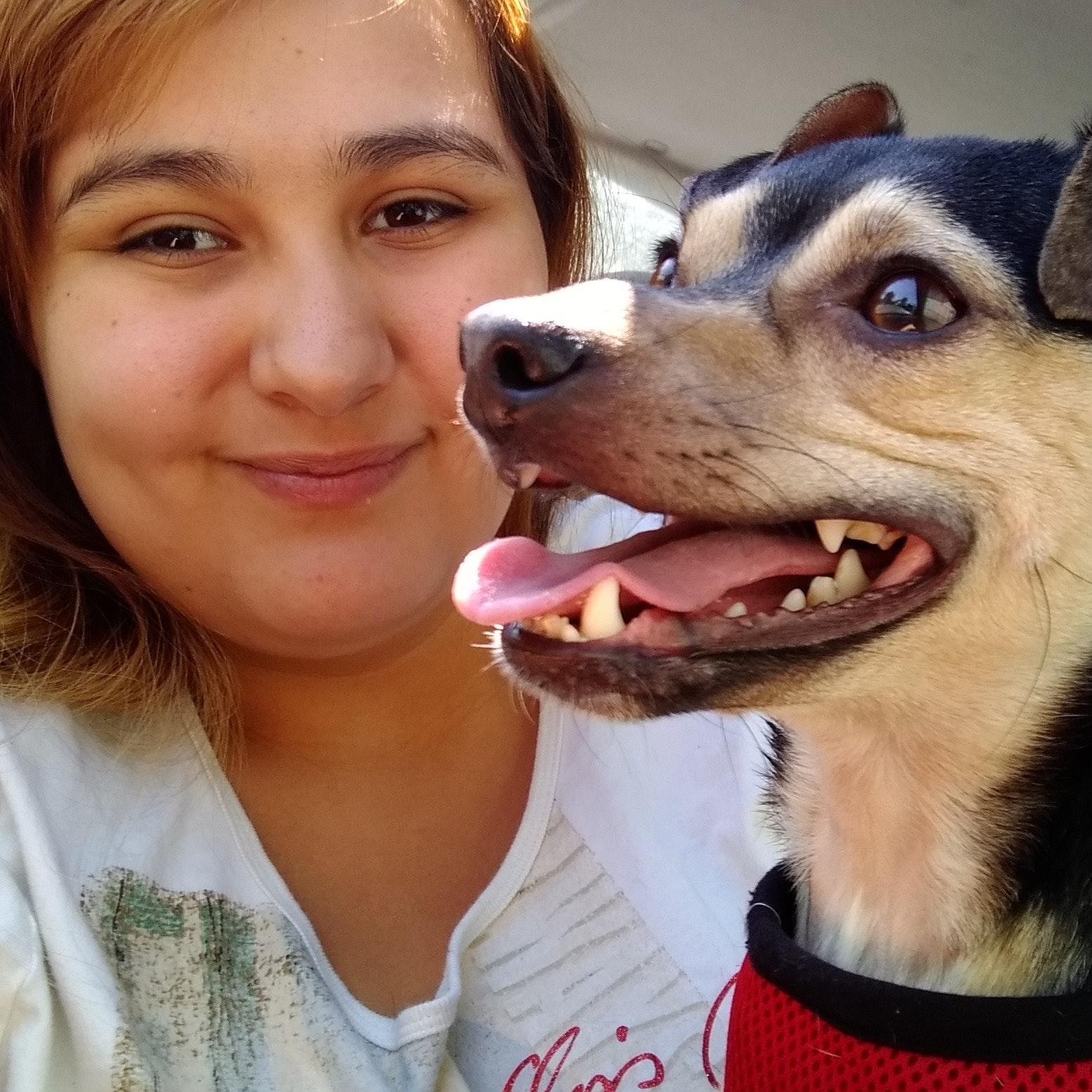dog walker Isabella