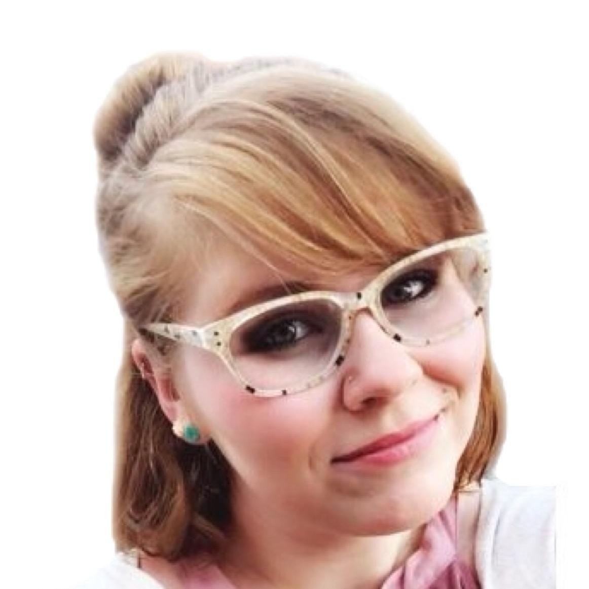 house sitter Carli Rose