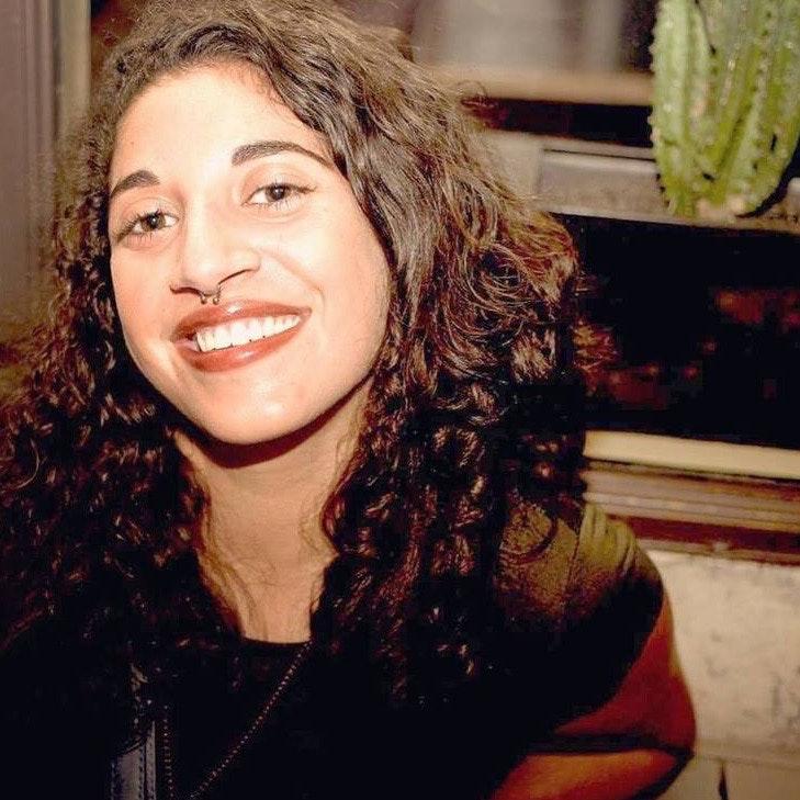 pet sitter Ana Cristina