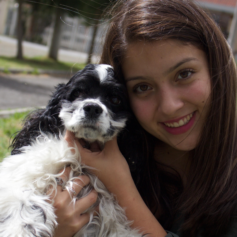 dog walker Camila