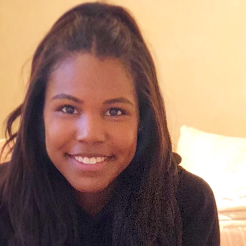 house sitter Aisha