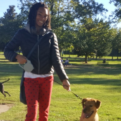 dog walker Kiara