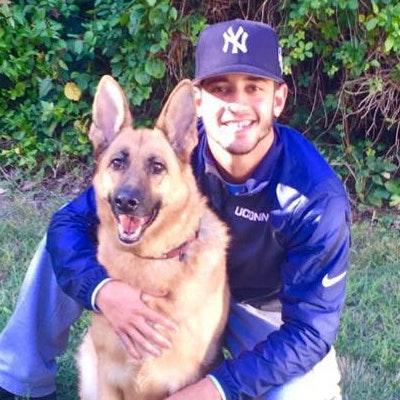 dog walker Cesar