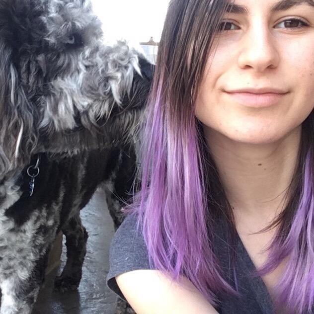 dog walker Alona
