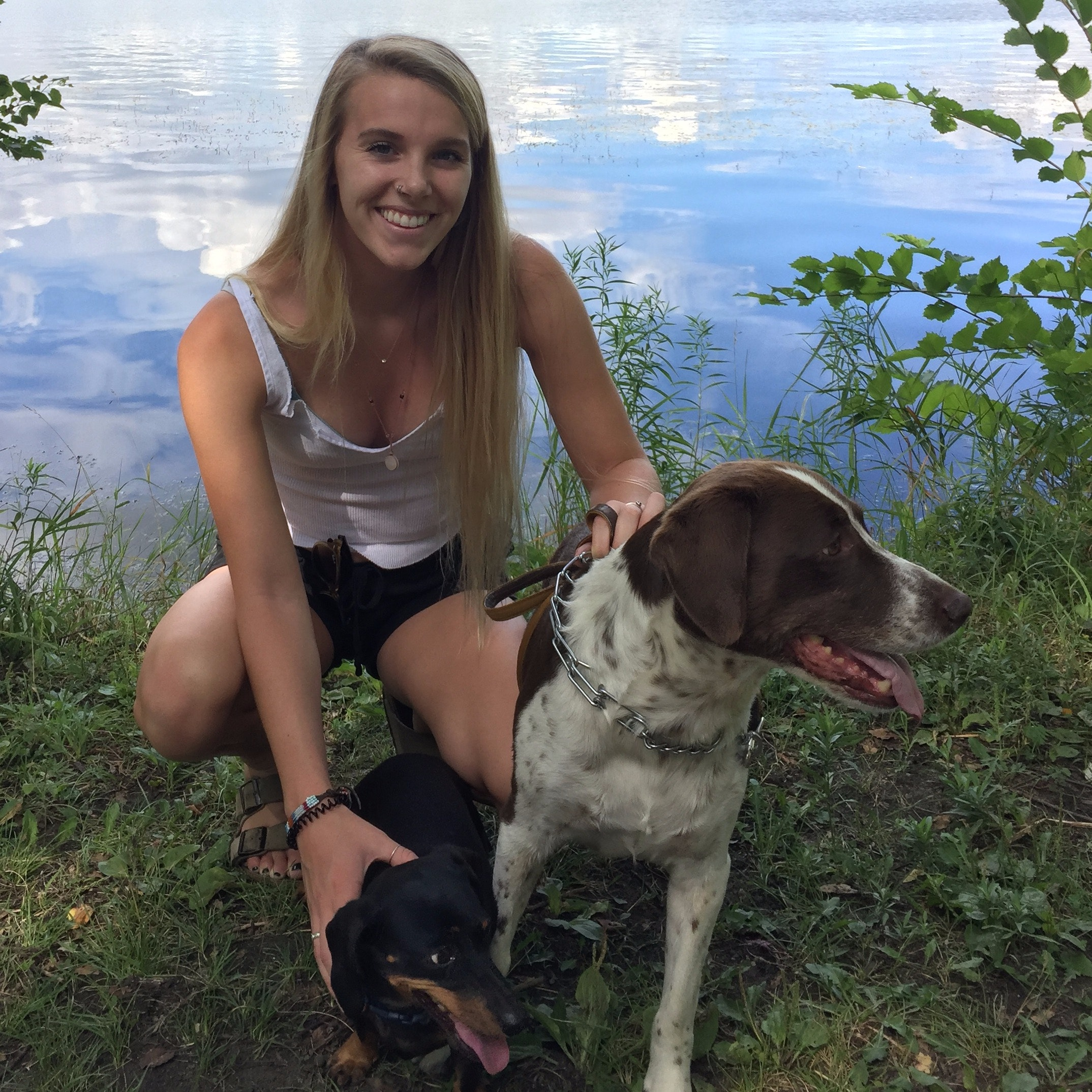 dog walker Emelia
