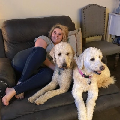pet sitter Saylor
